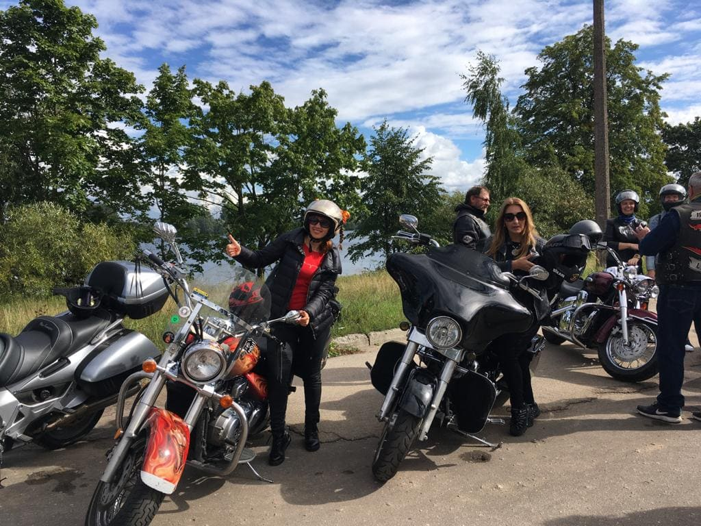 Экскурсия на мотоциклах в Ladies Deal Club 30