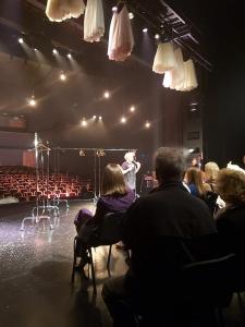 Исповедь хулиганки. Совместное посещение театра 29